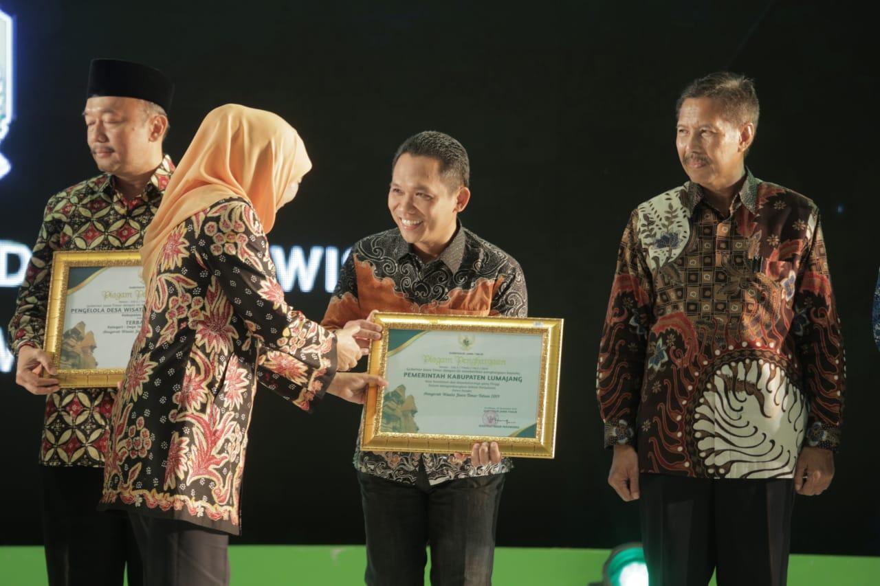 Pemerintah Kabupaten Lumajang Mendapatkan Penghargaan